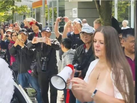 为什么在中国的老人到了加拿大都变乖了?